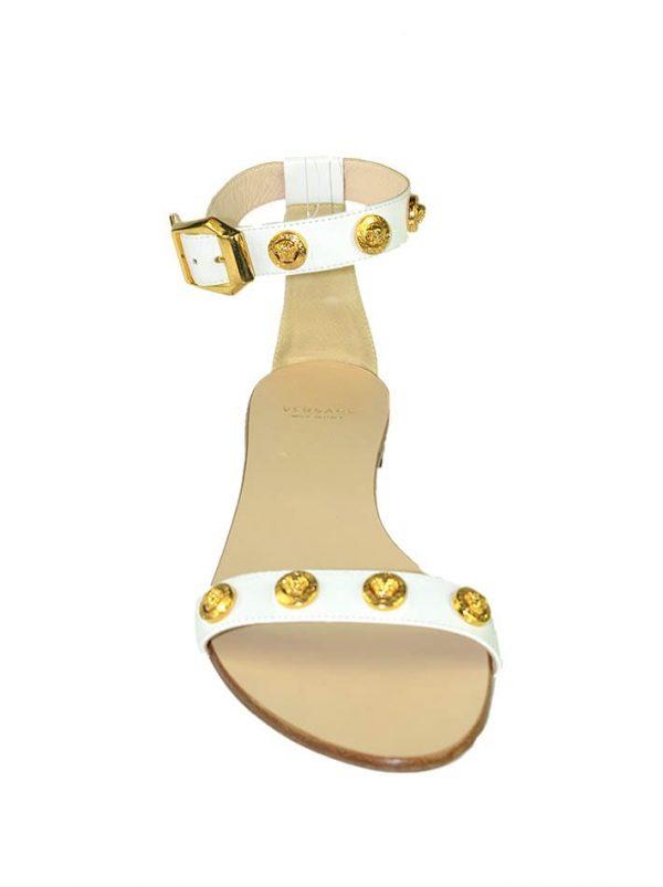 Босоножки Versace белые на низком ходу с фирменными знаками