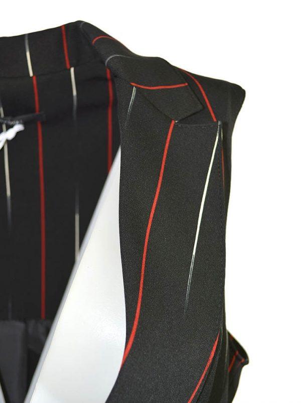 Жилет Imperial черный в белую и красную полоску с разрезами по бокам