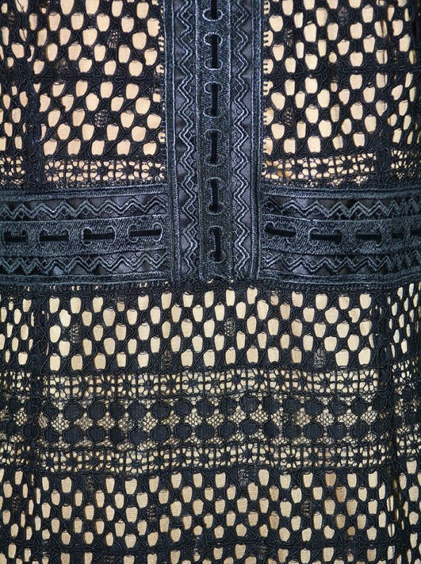 Платье Maria Grazia Severi черное кружевное с бежевым подкладом из атласа