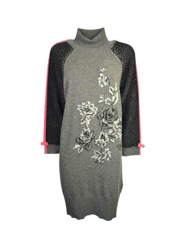 Платье VDP серое вязаное шерстяное с вышивкой и камнями