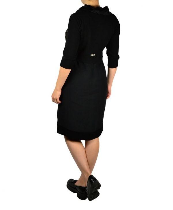 Платье VDP черное трикотажное комбинированное шёлком с широким воротом и крупными камнями