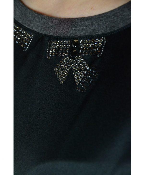 Туника VDP серая шелковая с трикотажными рукавами и цветочным принтом по линии низа гипюровая вставка