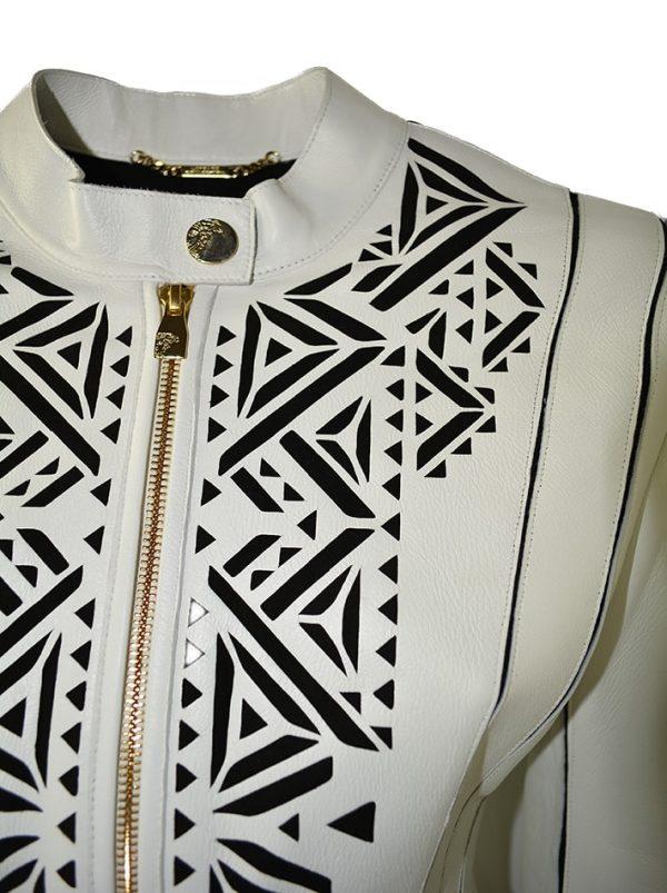 Куртка Versace белая кожаная с черным резным рисунком
