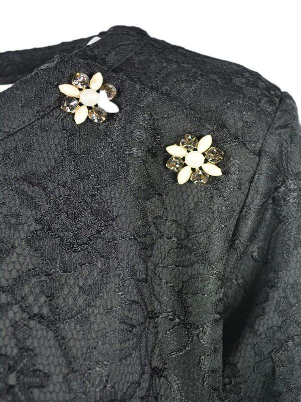 Платье Petite Couture черное гипюровое с брошами по линии низа мех