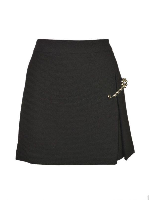 Юбка Moschino черная с декоративной брошью-булавкой