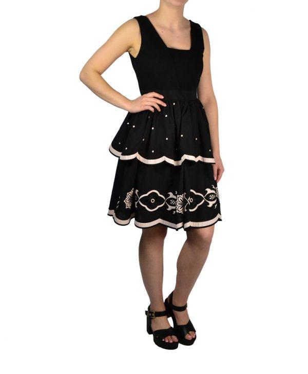 Платье Silvian Heach черное с вышивкой