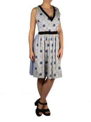 Платье Moschino бело-голубое в полоску с вышивкой и черными элементами