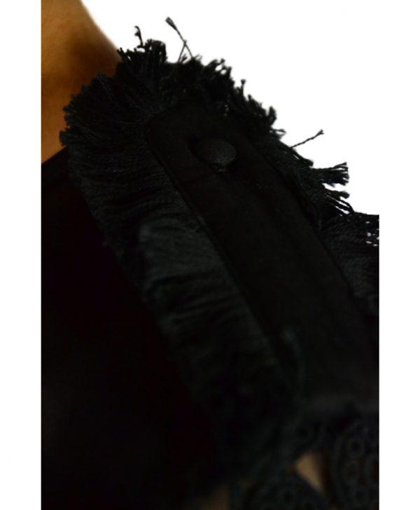 Блуза Twin-Set черная с погонами и кружевом
