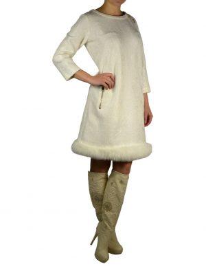 Платье Petite Couture белое гипюровое с брошами по линии низа мех