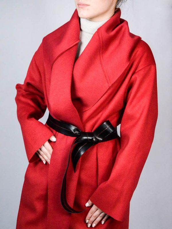 Пальто Paolo Casalini красное с черным поясом