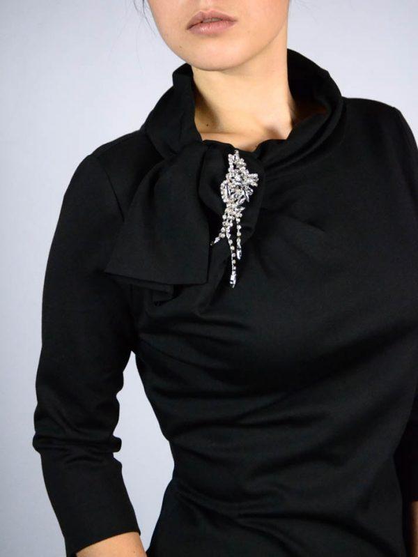 Платье Imperial черное с брошью с камнями