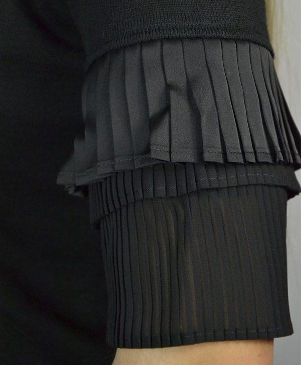 Водолазка Maria Grazia Severi черная трикотажная на рукавах черный плиссе