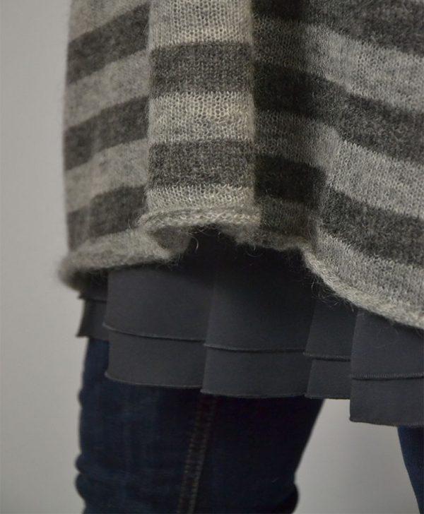 Туника Twin-Set серая в полоску с карманами