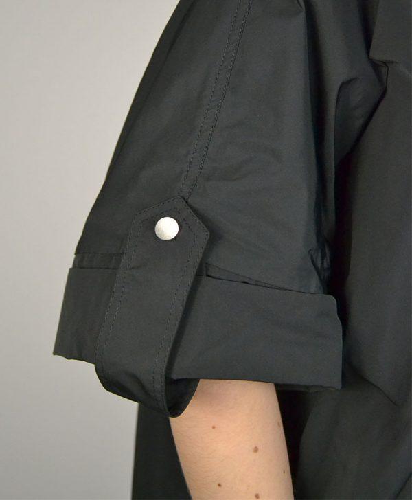 Ветровка Peserico черная на молнии с карманами и капюшоном
