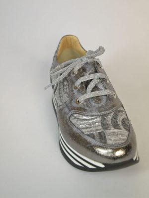 Кроссовки Nila&Nila серебреного цвета вставки ткани
