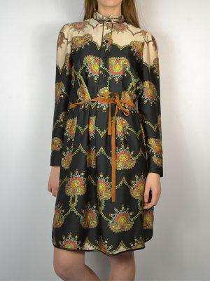 Платье-халат Dixie черное в разноцветные узоры тонкий пояс