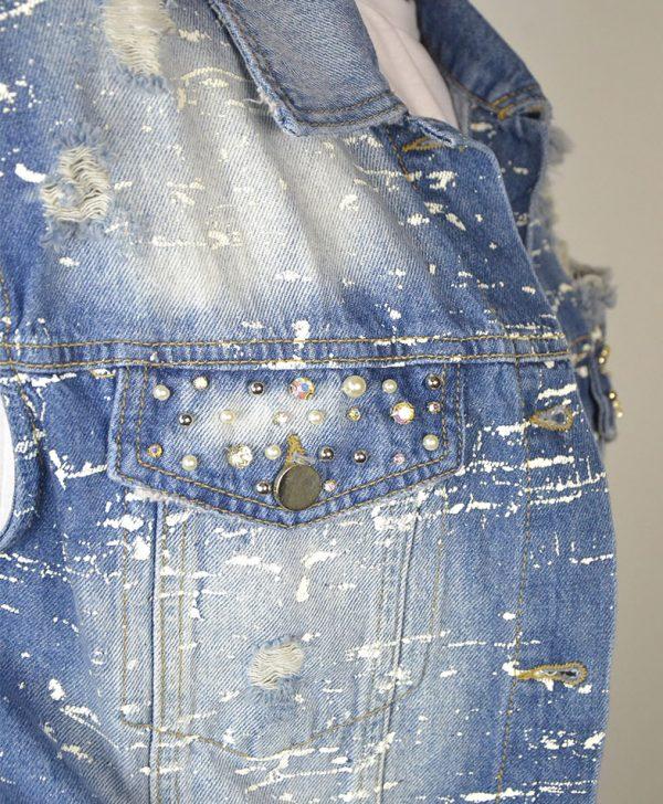 Жилет Gil Santucci синего цвета джинсовый рваный на карманах камни