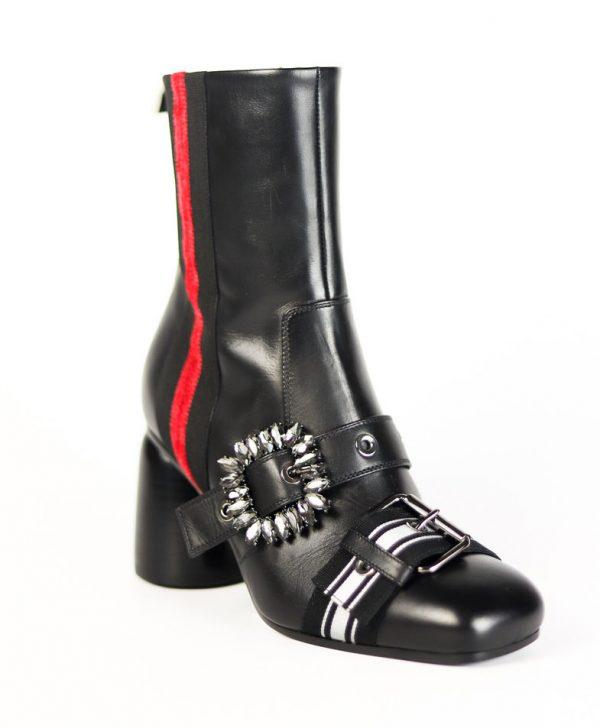 Ботинки Baldan черного цвета с пряжками