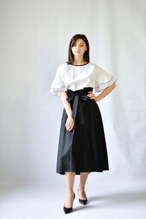 Блузка SFIZIO белая с черной оборкой