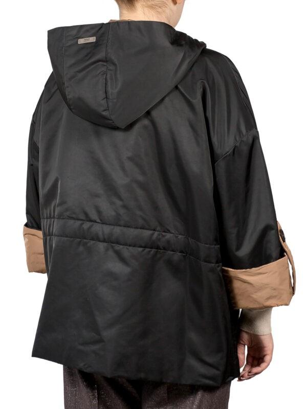 Куртка Peserico черного цвета с бежевыми манжетами