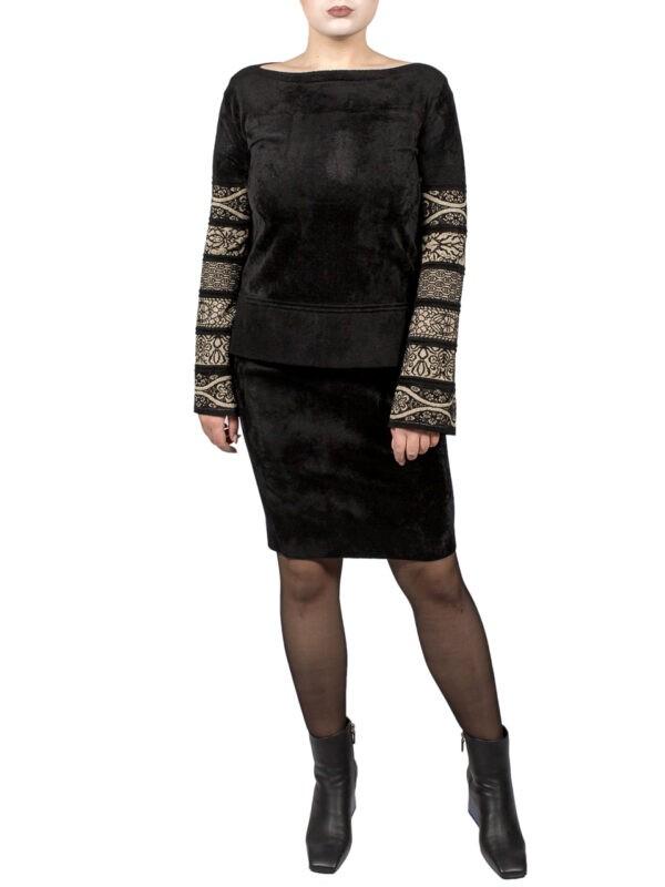 Костюм D. Exterior черного цвета с расклешенным рукавом